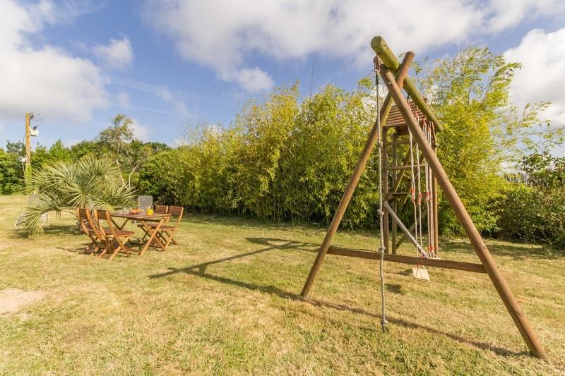 Gite Les Hortensias - Mesquer-Quimiac - Jardin avec balançoire