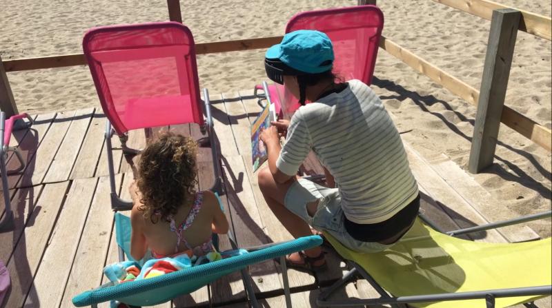 lire à la plage à la turballe