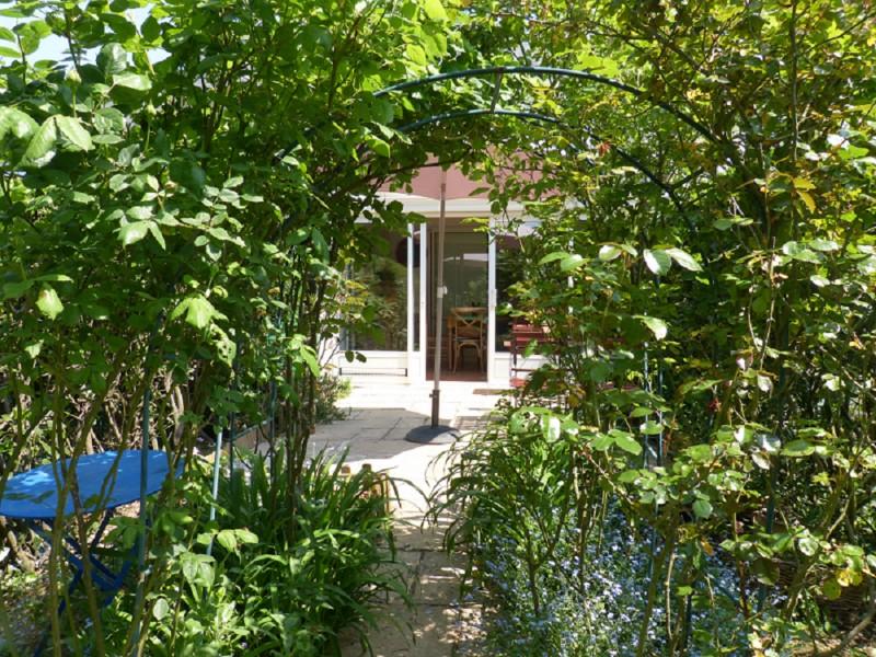 Maison M.MARTEL Guérande - allée extérieur + vue sur la terasse
