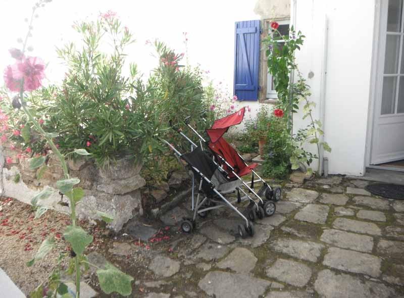 Mesquer-Quimiac -  Location maison 8/10 personnes - Cour fleurie