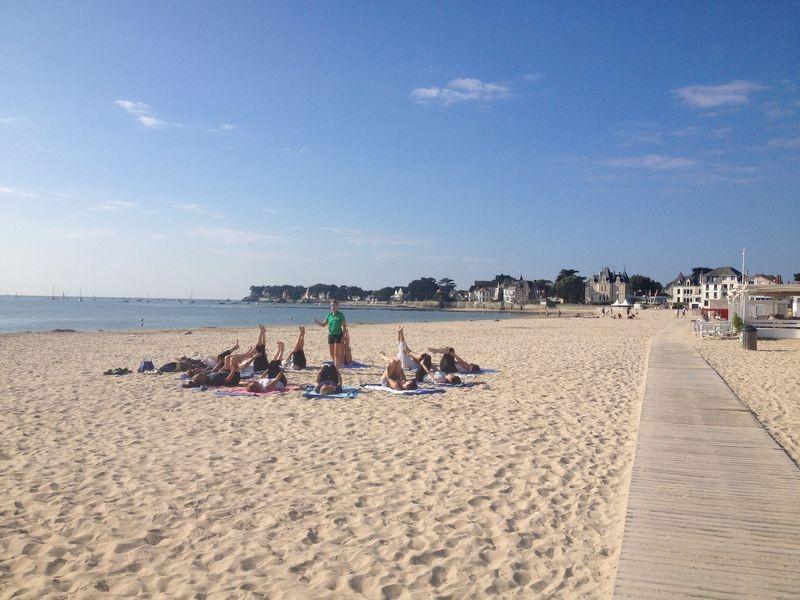 Pilates sur la plage du Nau au Pouliguen