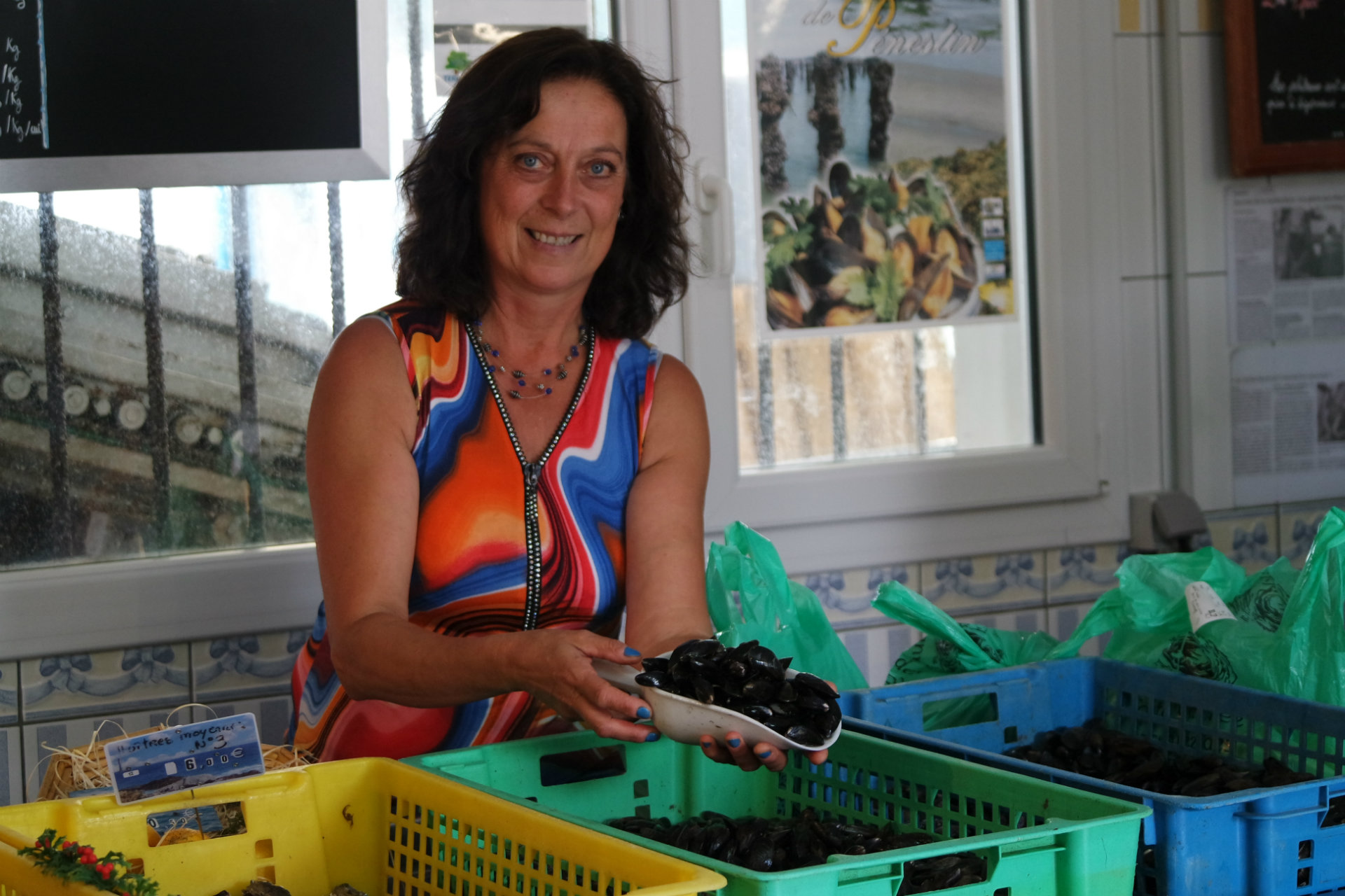 Muriel, mytilicultrice à Pénestin - vente directe - © CAP Atlantique