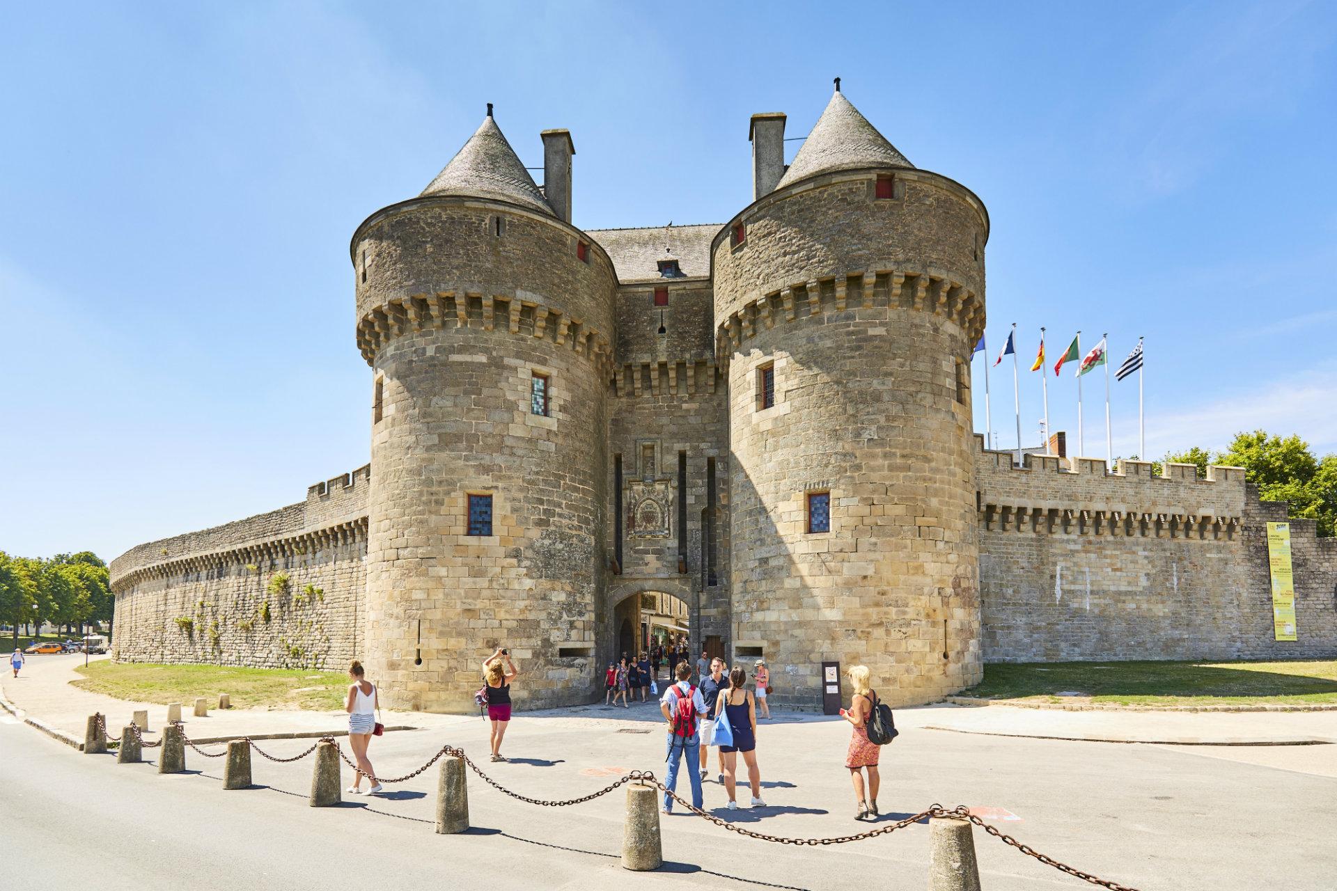 Porte Saint-Michel et remparts de Guérande