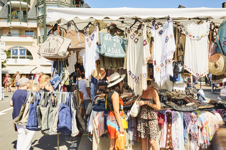 Shopping à La Baule - braderie - © Alexandre Lamoureux